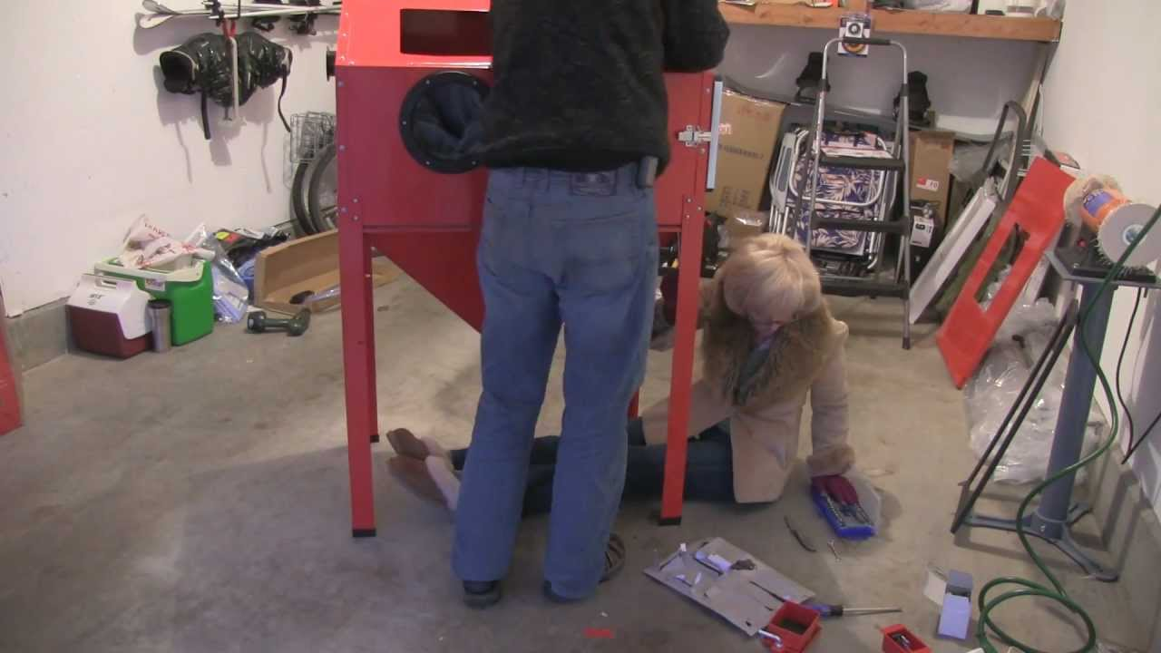 Sand Blaster Cabinet Assembly Of Harbor Freight Blast Cabinet Bead Blaster Youtube