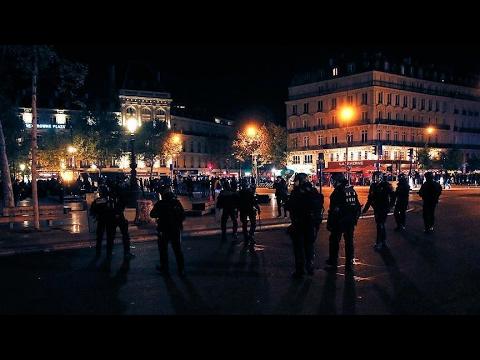 أخبار عالمية - إصابة 6 عناصر من #الشرطة_الفرنسية و3 متظاهرين إحتجاجاً على نتائج #الإنتخابات