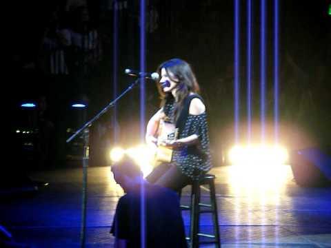 Sandra Bullock Surprises Nashville! - YouTube