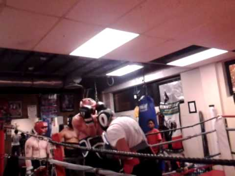 mike vs andy sparring match at bernard boxing Academy in ...