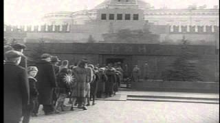 Long lines of visitors wait to visit Lenin