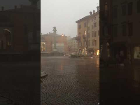 Tempesta in centro a Udine giovedì 10 Agosto 2017