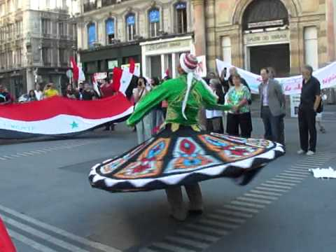 Traditional dance during Syrian demonstration
