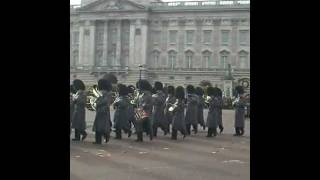 Band of the irish guards and princess of wales royal regiment 23/11/2011 changing of the guard
