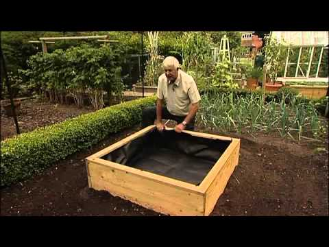 Raised Vegetable Garden Planter And Plant Bed Liners Youtube