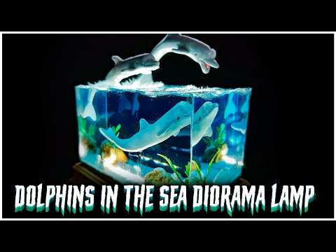 DOLPHINS PLAYING IN THE SEA DIORAMA LAMP- RESIN ART- DIY