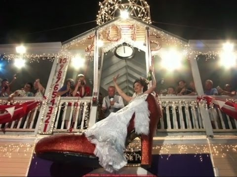 Raw: Key West Drops Drag Queen to Welcome 2016