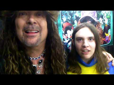 A happy girl sings Bohemian Rhapsody with Jess Harnell @ Salt Lake Comic Con!