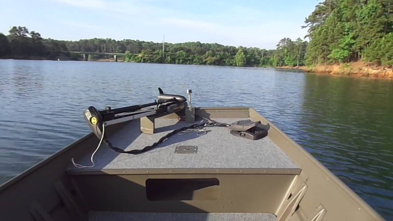 Jon Boat With Side Console On The Lake Youtube