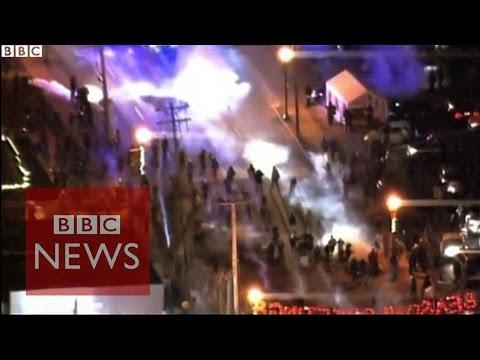 Ferguson: Tear gas disrupts report - BBC News