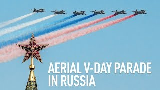 Victory parade | Russia's air force flies over the center of Moscow