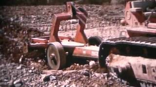Repeat youtube video Bucyrus Erie & IH Crawlers Part 2