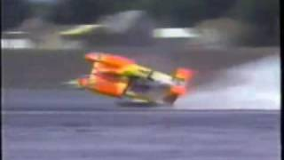 Unlimited Hydroplane Crash Video