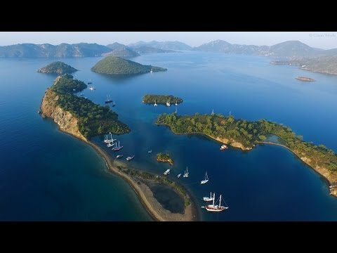 Relax 3 Minutes - Flying Over Islands and Relaxing Music