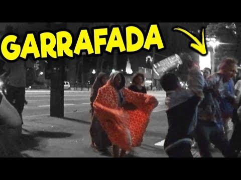 FLAGREI UM GAY APANHANDO DE MORADORES DE RUA! 😨