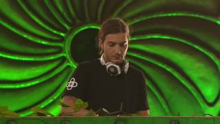 Repeat youtube video Alesso & Calvin Harris ft. Theo Hutchcraft:
