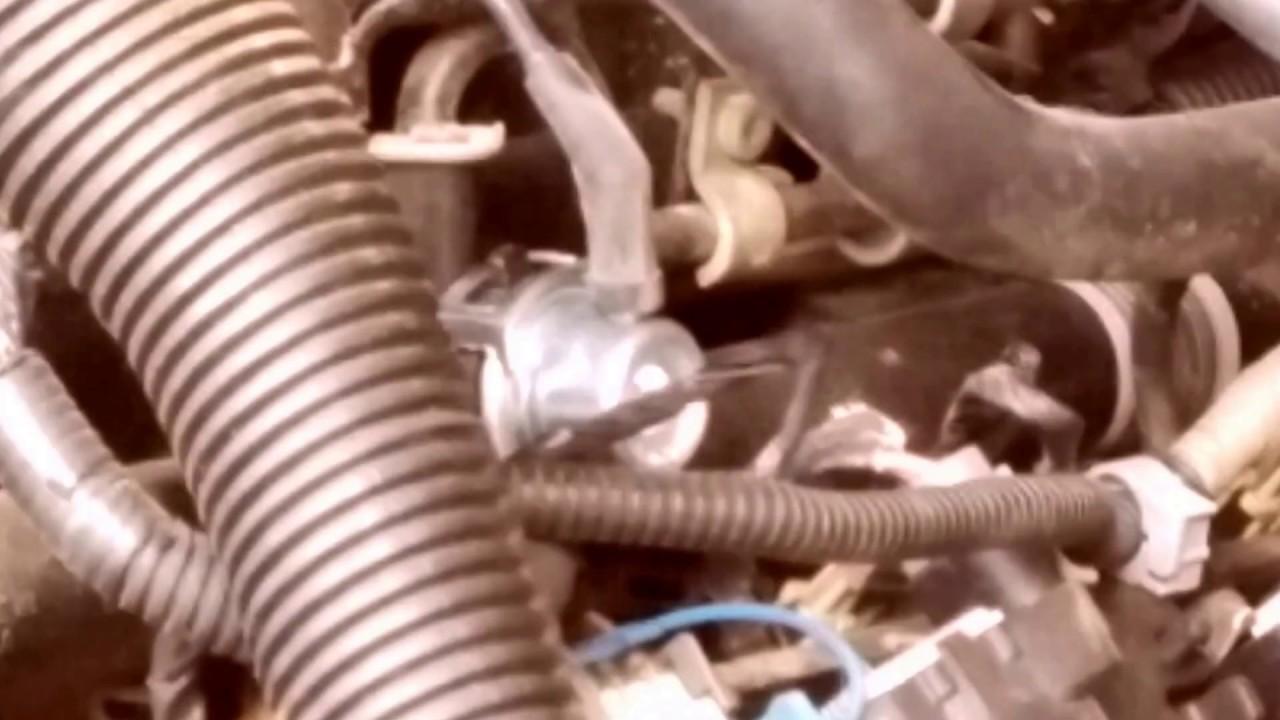 fuel pressure regulator change on 2000 gmc z71 fixing hard starting youtube fuel pressure regulator change on 2000 gmc z71 fixing hard starting