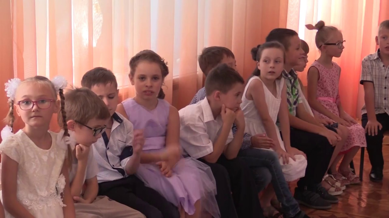 «У нас всё получится»: RT пообщался со школьниками ДНР накануне начала учебного года