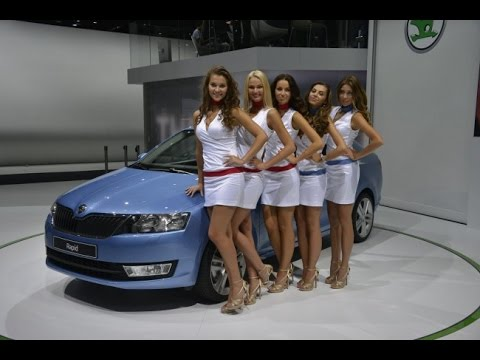 Prety Girl Cars ,, Promotion The best Automotive Cars Renault ,,, Motor Show