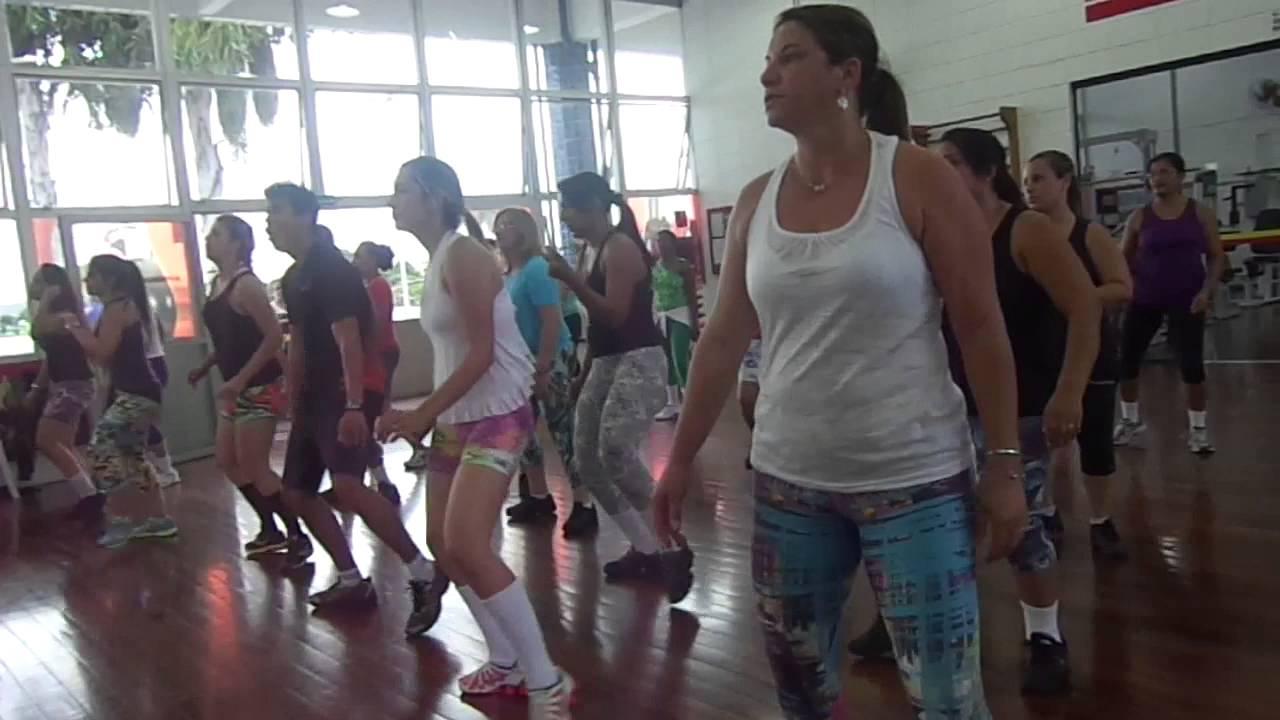 video da coreografia largadinho claudia leitte