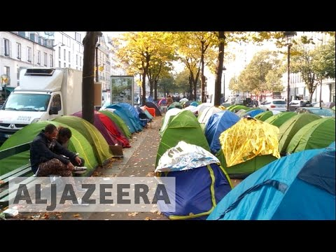 France: Refugees flee to Paris after Calais camp closure