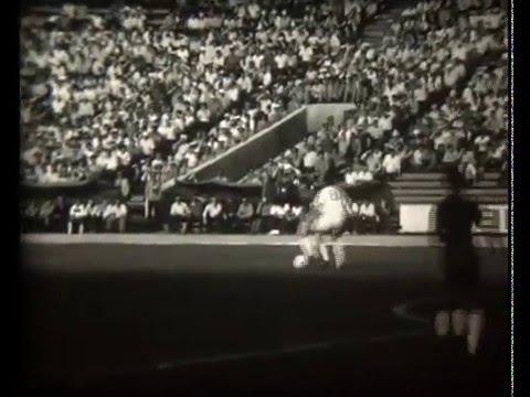 Металлист - Динамо фрагмент игры 1980 года