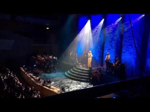 Leona Lewis light up Run
