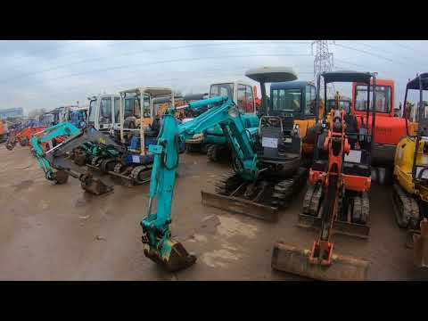Quick Walk Around Some Of The Excavator Machines For Sale At Euro Auctions In Leeds, United Kingdom