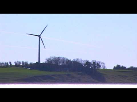 windmill in Denmark  - wind energy power in action - Windrad in Aktion für Windenergie
