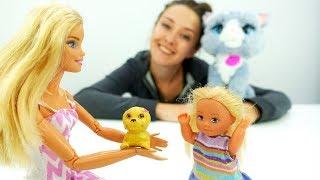 Барби дарит Штеффи щенка - Видео для девочек