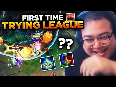 TFT STREAMER TRIES LEAGUE FOR THE FIRST TIME not actually  League Of Legends