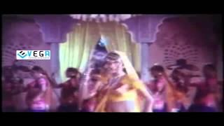 Guru Movie Songs - Naa Vandanamu Song