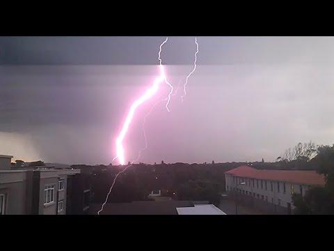 Timelapse video of lightning storm passing Port Elizabeth - 14 March 2017