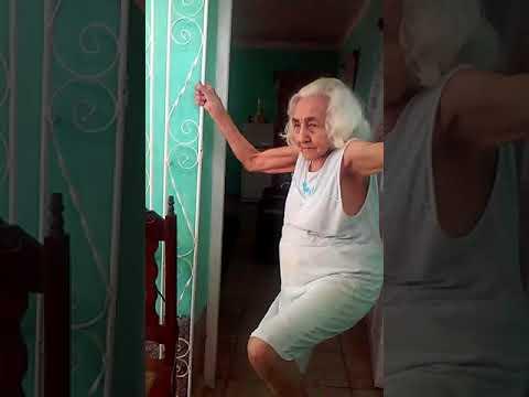 Abuelita de 87 años que seguro  baila mejor que tu