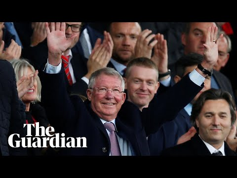 Sir Alex Ferguson gets standing ovation on his return to Old Trafford
