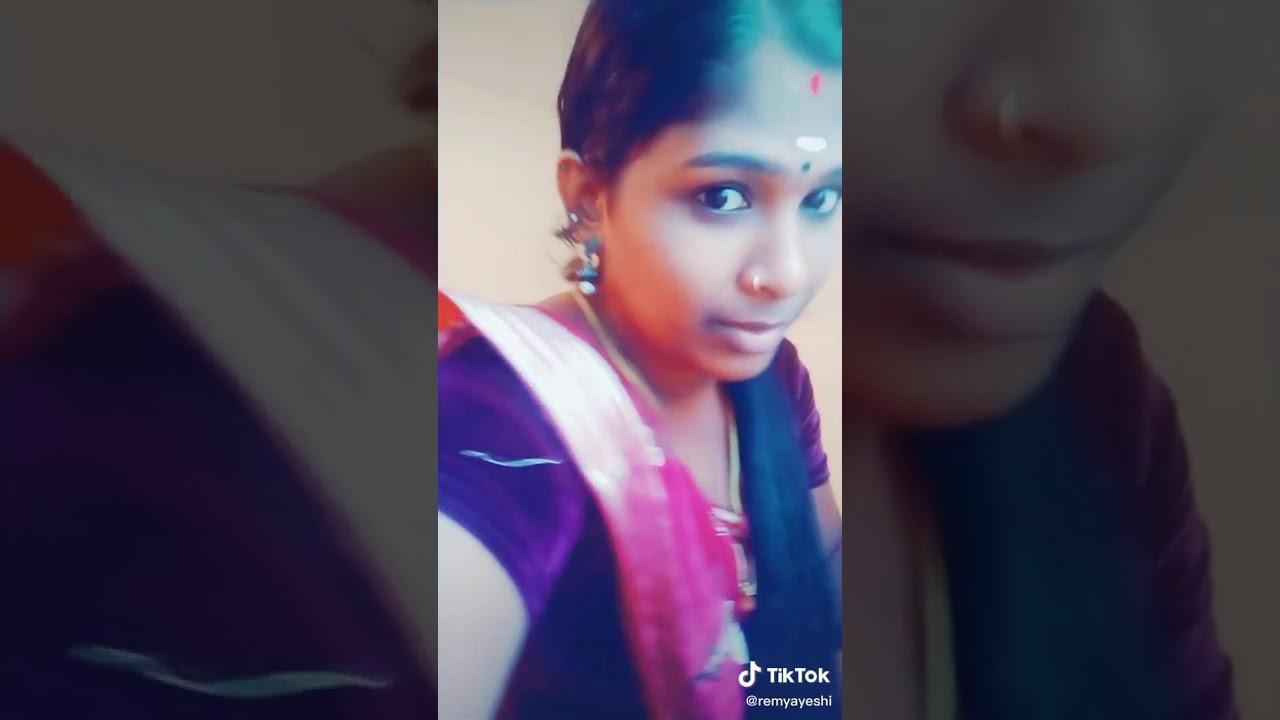 Tamil Aunty tummy navel show😋😋😋 - YouTube