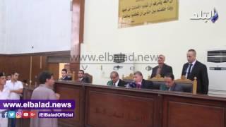 المحكمة تستمع لشهود النفى بمحاكمة متهمى «اقتحام قسم حلوان».. فيديو وصور
