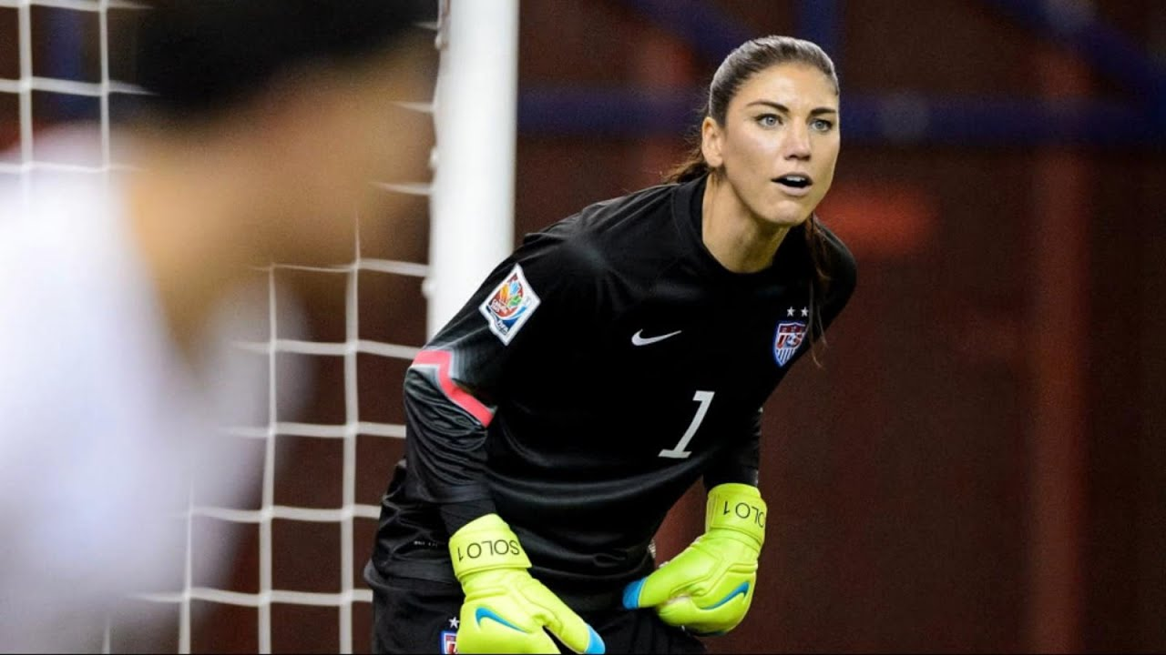 buy popular 62f76 57fae Hope Solo Reveals How She Psyched Out the Competition