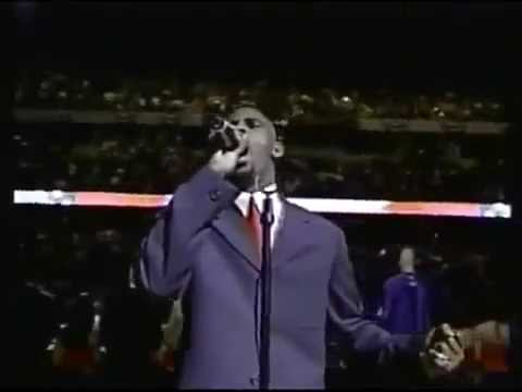 R. Kelly sings the U.S. National Anthem [2001]