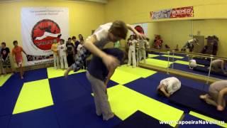подростковая тренировка по акробатике, школа капоэйра камара