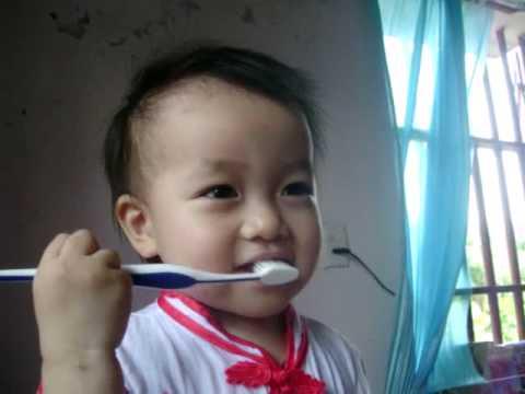 Nấm đánh răng nè - Tooth cleaning.flv