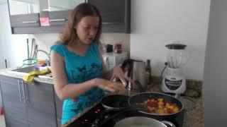 Готовим рыбу в кисло-сладком соусе с ананасами красным перцем и луком (часть 2)