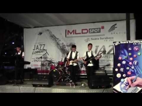 Star Project (Band Pelajar Sby) @Jazz Compet Spazio Radio SS, trisum (cublakcublak suweng)