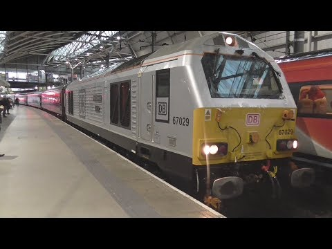 DB Cargo 67029 + 82146 DVT 'The Royal Management' at Leeds station *RARE*