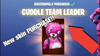 Buying the CUDDLE TEAM LEADER SKIN in Fortnite Battle Royale!!