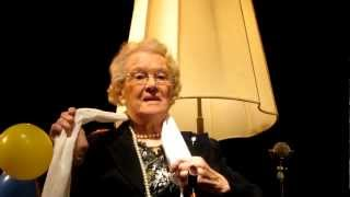 Annie de Reuver viert 95ste verjaardag