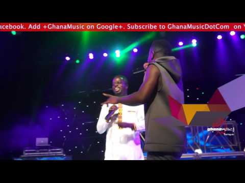Sarkodie & Ofori Amponsah perform 'Alewa' 1st time @ Rapperholic concert 2015 | GhanaMusic.com Video
