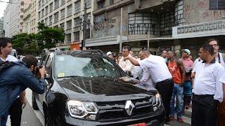 Protesto de taxistas contra o Uber .