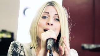 Annie Lennox cover of  Little Bird by Louise Dearman