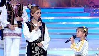 Download Ana Gabriela Coţe şi Andreea Voica - Mândră mi-s că-s bănăţană (@O dată-n viaţă)